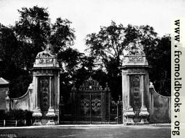 The Lion Gates, Hampton Court